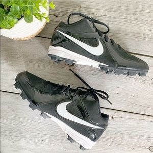 Nike Baseball Black White Shoes Cleats Men Sz 8. M